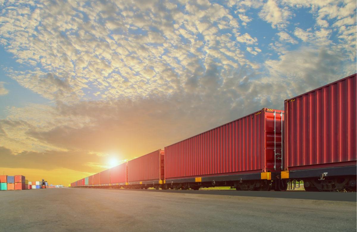 Почему пассажирские ж/д перевозки ужасны, а грузовые - восхитительны.