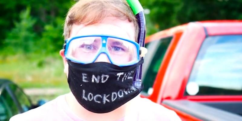 snorkel-mask-goggles-cape