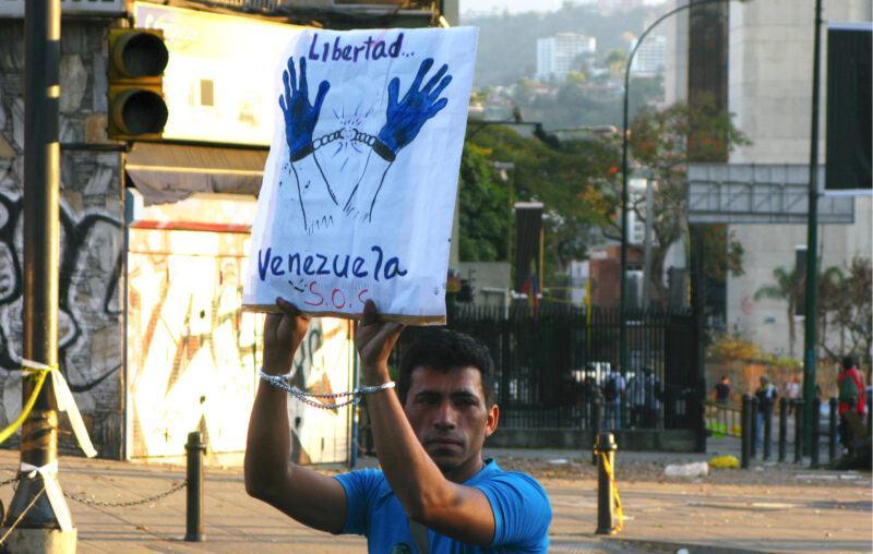 Sos, Venezuela